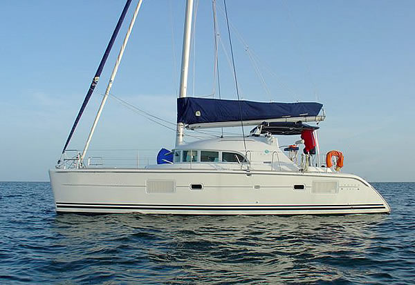 Cat. Lagoon 380